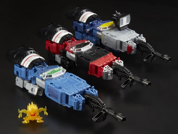 Transformers Generations War For Cybertron SIEGE Deluxe Refraktor (G1 Toy Colors) 3-Pack (Exclusive)