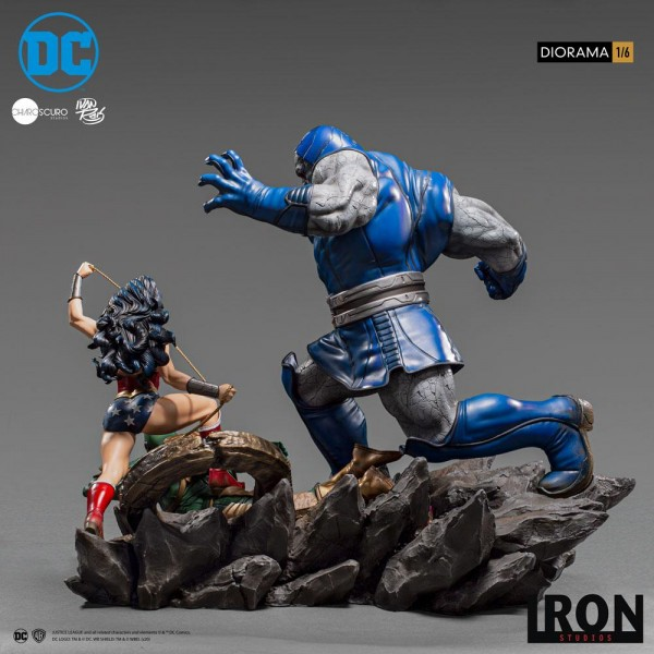 DC Comics Diorama 1/6 Wonder Woman Vs Darkseid by Ivan Reis