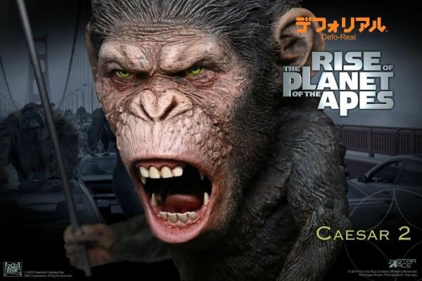 Planet der Affen: Prevolution Defo-Real Series Soft Vinyl Statue Caesar (Spear Version)