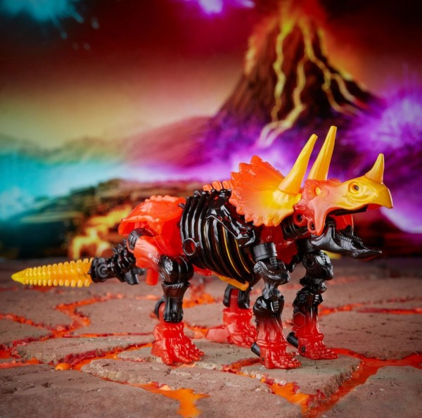 Transformers War For Cybertron Trilogy Deluxe Tricranius Beast Power Fire Blasts Collection Pack