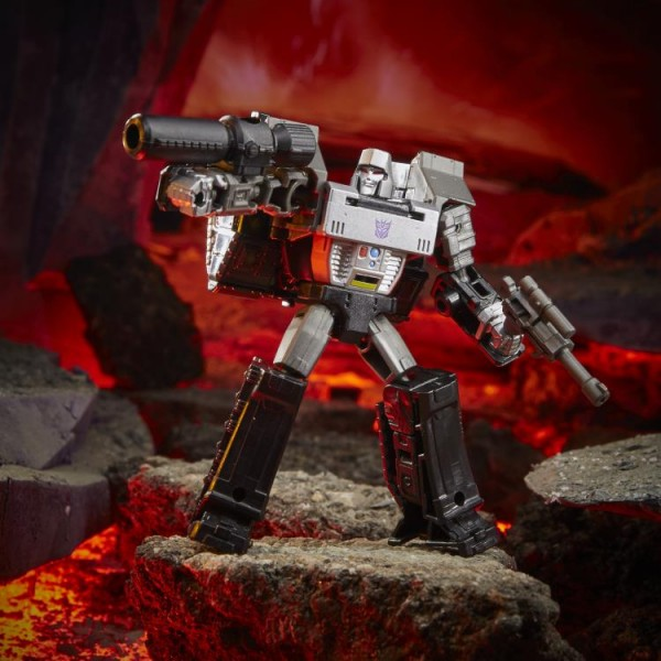 Transformers Generations War For Cybertron KINGDOM Core Megatron