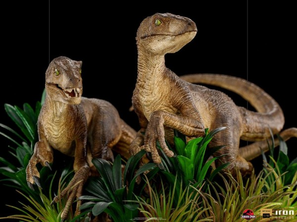 Jurassic Park Art Scale Statue 1/10 Just The Two Raptors (Deluxe)