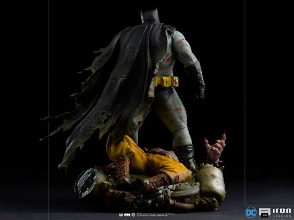 Batman: The Dark Knight Returns Diorama 1/6 Batman