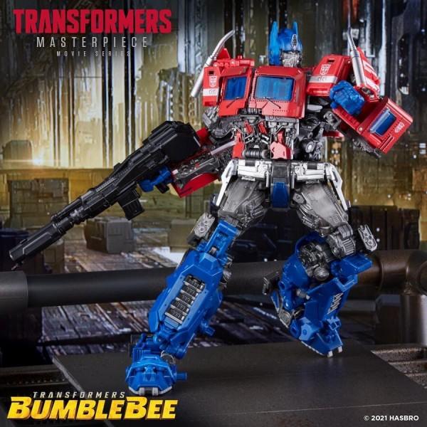 Transformers-MPM-12-Optimus-Prime-Target-Exclusive-01